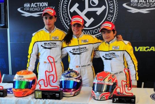 Academy Trophy - Triplete español en Genk