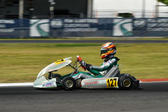 Europeo FIA Karting Sarno - P19 para Tuñón en OK-J, P20 para del Pino en OK