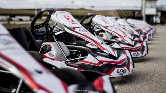 """EKR Phoenix 4T: más """"racing"""", más cerca."""