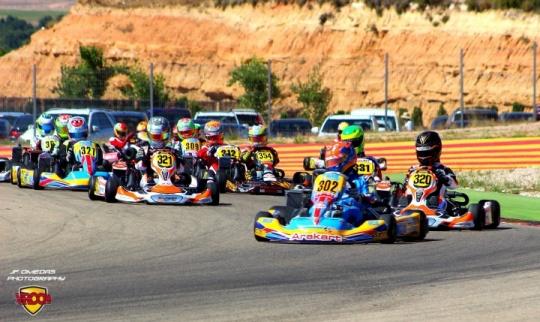 Series Rotax Max - Edu García imparable en Motorland