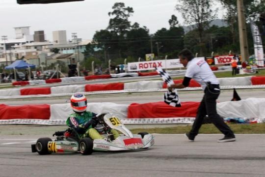 Rubens Barrichello logra una plaza para las Rotax Grand Finals
