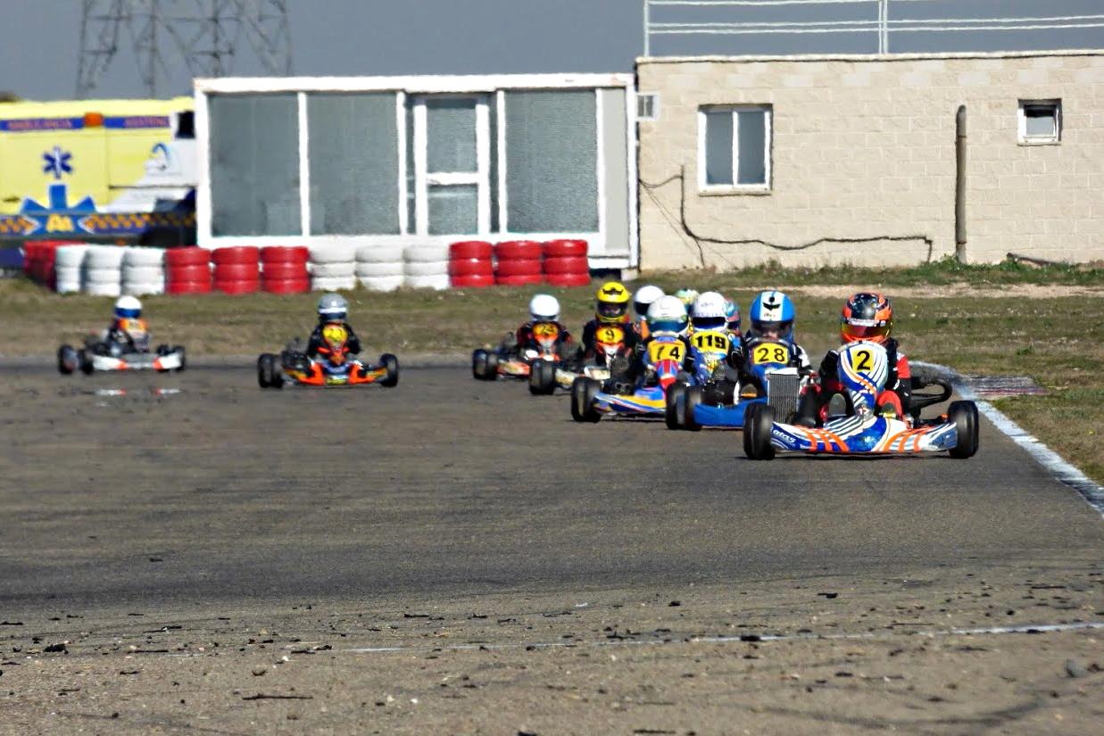 La Copa Aragón de karting arrancó con la Promokart en Zuera