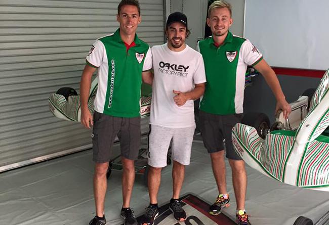 Fernando Alonso olvida la temporada de F1 disfrutando del karting