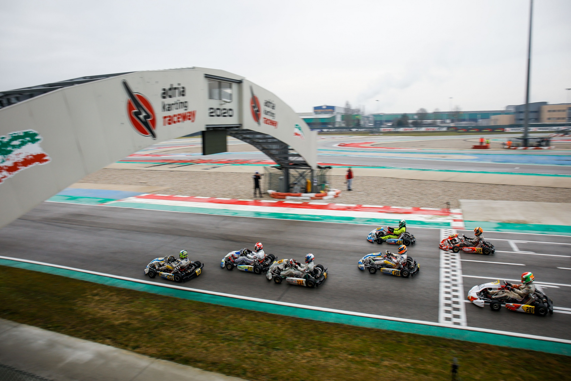 WSK Champions Cup: carreras intensas y suerte dispar para nuestros pilotos en Adria