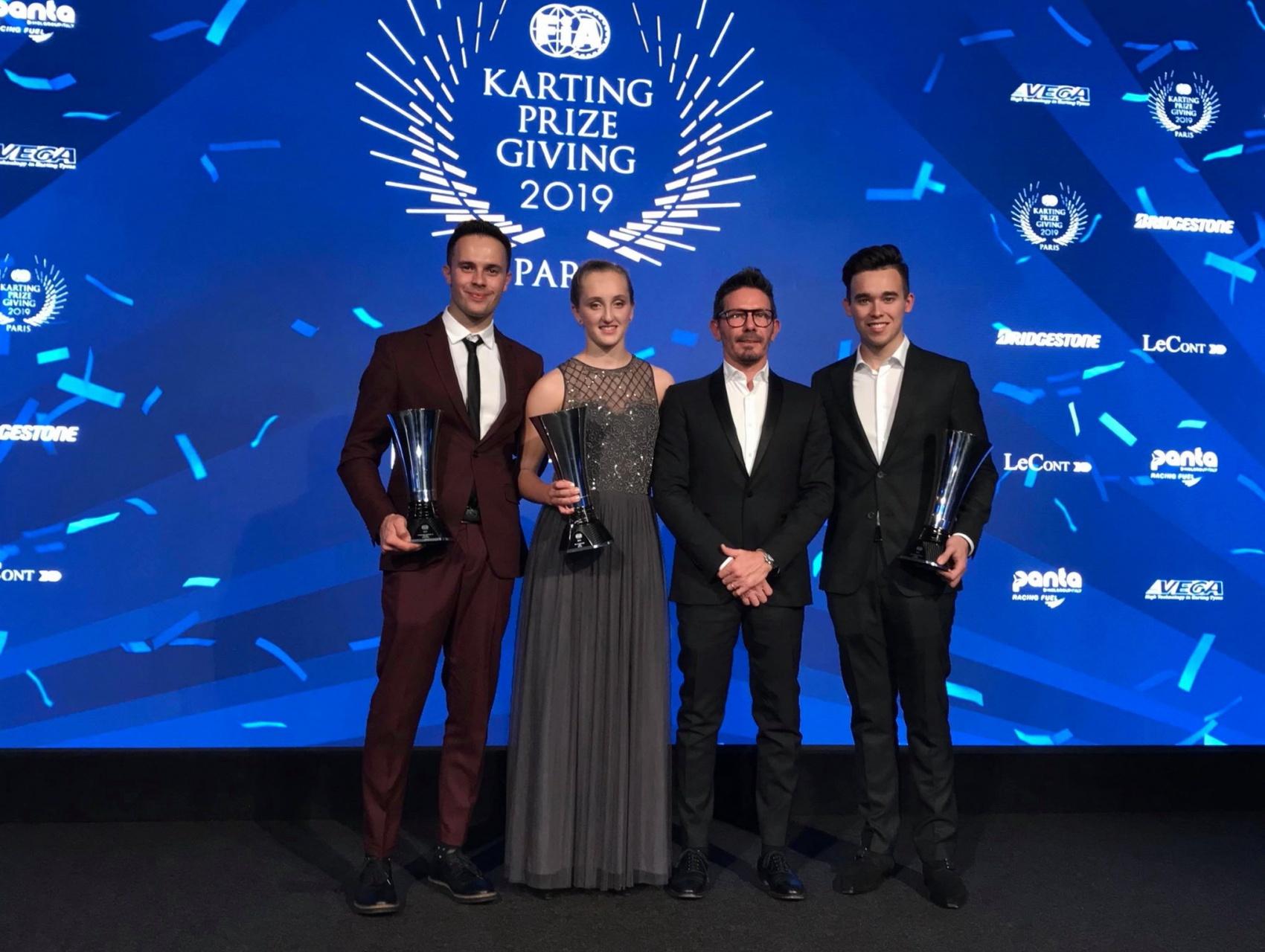 """Maya Weug galardonada con el trofeo """"FIA Women in Motorsport"""" 2019."""